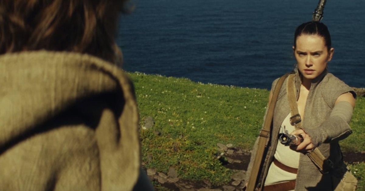 Star Wars The Last Jedi Rey and Luke